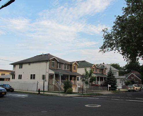 semi attached duplex home in Grant City