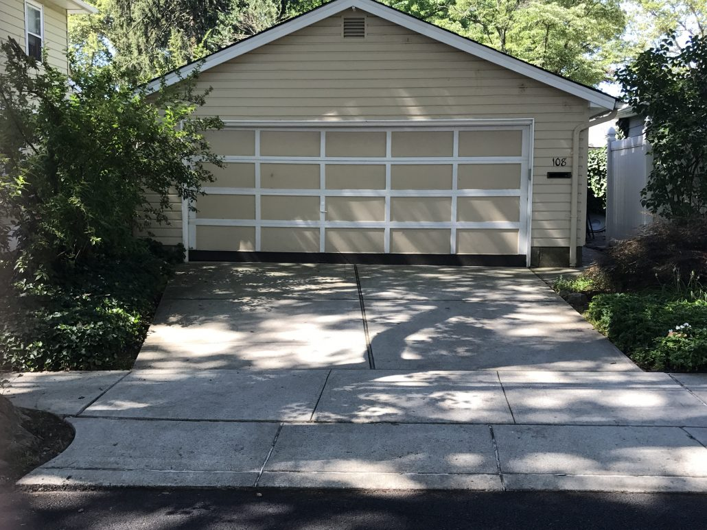 Bache Ave Garage on lot for sale