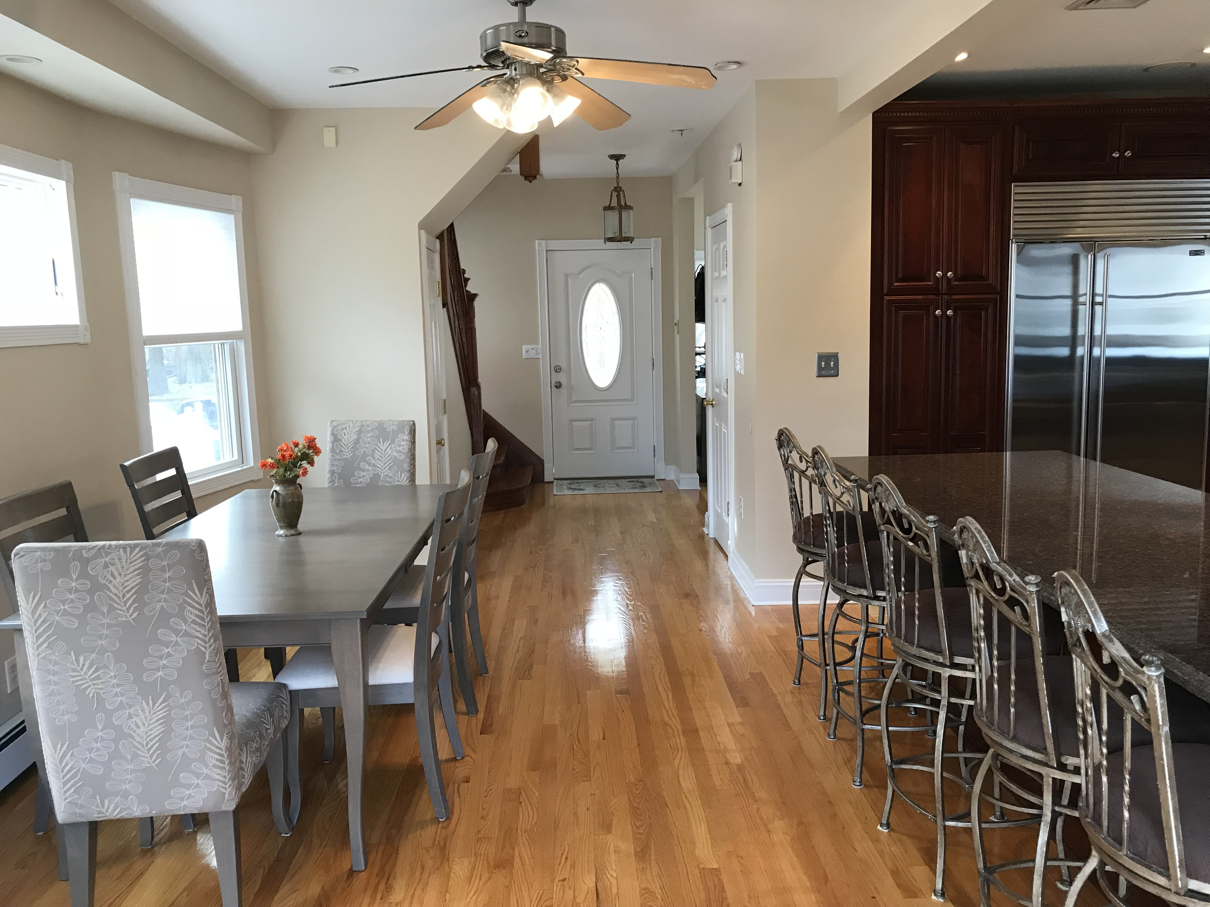 315 Brehaut dining kitchen counter seating front door - A.T. REAL ...