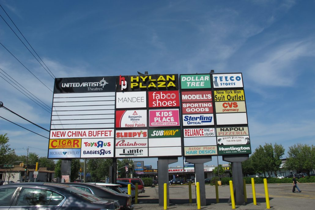 New Dorp Large shopping center sign