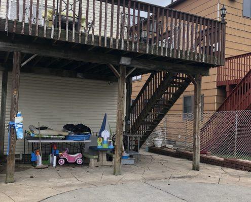 566 Travis deck off main fl kitchen