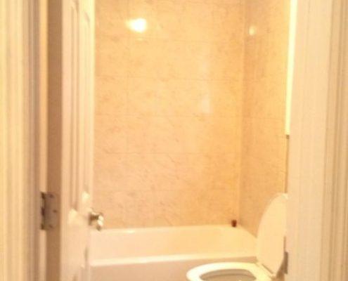114 Baden full bathroom
