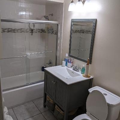 23 Vera bathroom