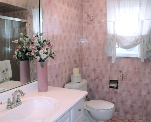 66 Wieland fist fl bathroom