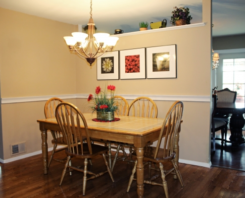 66 Wieland dining area in the eat in kitchen