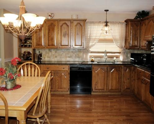 66 Wieland eat in kitchen